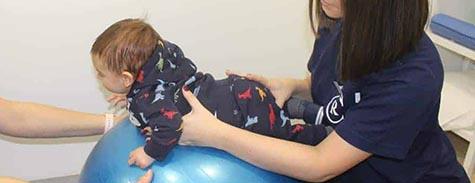 fisioterapia-pediatrica-bola